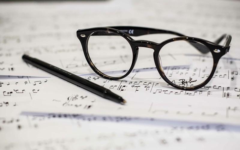 لنز طبی یا عینک